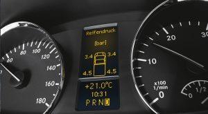 Wir prüfen den digitalen Tachographen Ihres Transporters in Passau und Vilshofen